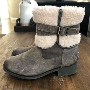 UGG Shoes - UGG Blayre III Dove Leather/ Sheepskin Boots